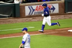 추신수, 개인 통산 3번째 3경기 연속 홈런…오승환 1실점
