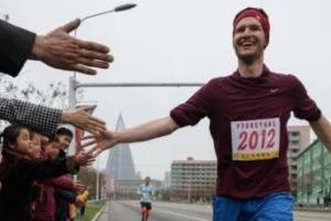 평양 만경대상 국제마라톤에 외국인 429명 참여, 지난해 절반