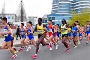 [포토] 북한 국제마라톤대회서 달리는 외국인 선수들