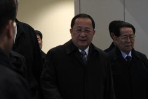 리용호 북한 외무상, 모스크바 도착…질문 공세에 묵묵부답