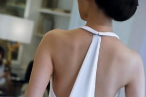 [포토] '수줍은 뒤태'… 뉴욕 브라이들 패션 위크