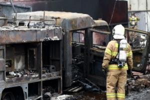 인천 화학공장 불길 소방차에 옮겨붙어 차량 전소