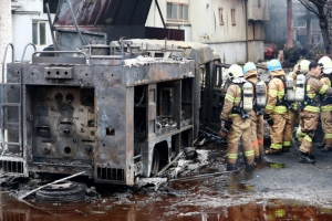인천 화학공장 큰불, 소방차도 전소…큰 불길 잡아
