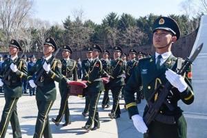 [특파원 생생 리포트] 시진핑의 강군 전략… 중국군 유해 송환 과정 TV 방영