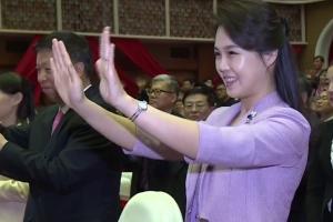 리설주, 이례적 단독행보…김정은 없이 최룡해·김영철 만나