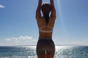 [포토] 심으뜸, 해변에서 뒤태 자랑한 '엉짱 여신'