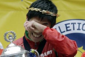 일본 공무원 마라토너 가와우치 보스턴 마라톤 우승