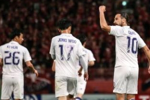 '푸른 데얀'의 수원 3년 만에 AFC 챔피언스리그 16강