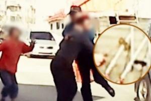 도끼 난동 제압 경찰관…0.5초 만에 몸 던져 막아(영상)