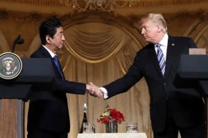 """""""아베, 안보·납치문제 약속 대가로 트럼프에 통상협상 내줬다"""""""