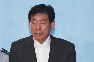 원세훈 '국정원 댓글' 징역 4년 확정