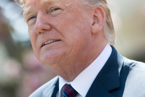 """北 핵동결로 비핵화 한발 더…트럼프 """"큰 진전, 북미회담 고대"""""""
