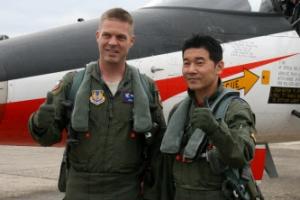 한국산 항공기 조종하러 온 美공군 조종사들