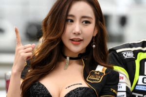 레이서-모델, 서킷 현장 속 그들의 '동고동락 스토리'