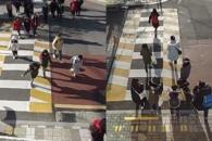 [실험영상] 횡단보도에 '노란 발자국' 그려놨더니……