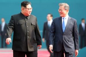 """[전문]남북정상 모두발언…""""회담 성과 내서 기대에 부응하자"""""""