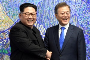 김정은 신뢰도 77.5%…MBC 여론조사