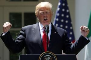 트럼프, 주말 내내 판문점 언급… '세기의 담판' 극적 효과 노려