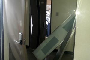 한밤 부산 빌라 도시가스 폭발…4층 주민 추락해 중상