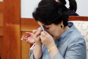 [서울포토] 김정숙 여사가 눈물 흘린 사연은?