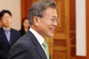 [서울포토] 문재인 대통령, 신임대사 신임장 수여식 입장