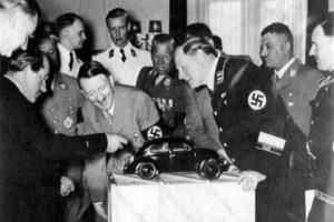 '국가 없는 곳' 파고든 나치즘