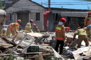 양주 주택 가스 폭발… 2명 숨지고 4채 붕괴