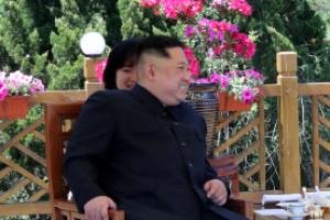 """'혈맹' 과시한 김정은·시진핑…""""떼 놓을 수 없는 하나"""""""