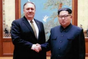 """북한 간 폼페이오, 김영철에 """"훌륭한 파트너"""""""