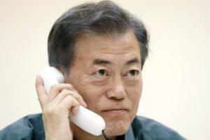 """새달 12일 북미 회담에 문대통령 싱가포르행 묻자 청와대 """"..."""""""
