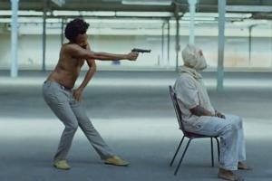 """""""이것이 미국이다"""" 차일디쉬 감비노 신곡 뮤비가 주목받는 까닭"""