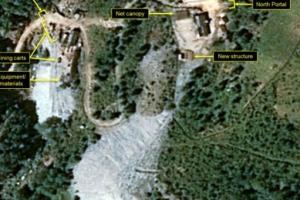 미, 북에 '보유 핵 일부 국외반출 요구'…속도 내는 '완전한 비핵화'