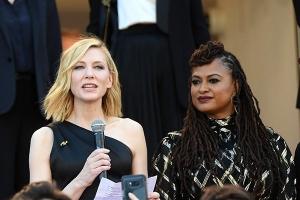 칸 영화제 여성영화인, 레드카펫서 '성 평등' 요구 시위