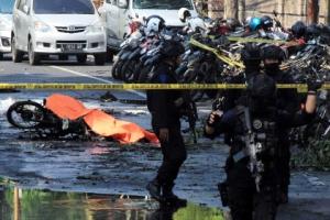 인도네시아 연쇄폭탄테러 범인은 무슬림 일가족 6명
