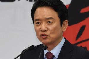 """[서울포토] 남경필 """"'형수 욕설' 이재명,  선거파트너로 인정 못해"""""""