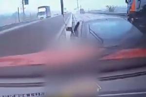고속도로 의식잃은 운전자…고의사고 내 구조한 의인