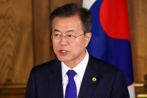 북한, 한미에 '동시 태클'…도전받는 문대통령 '운전자론'