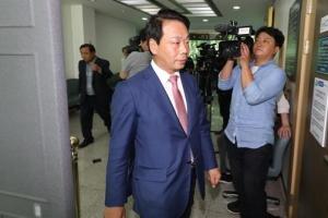 정치자금법 위반 이완영 의원 1심 집유…의원직 상실형