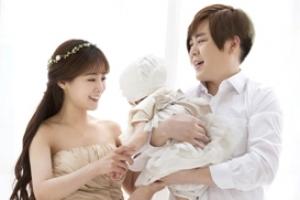 문희준 소율 부부, 딸 첫 돌맞이 가족사진 촬영
