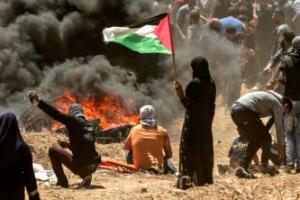 이스라엘군, 팔레스타인 시위대 실탄 발포…최소 37명 사망