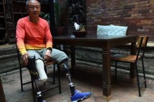 43년 전 에베레스트 도전 때 두 다리 잘라낸 중국인 등정 성공