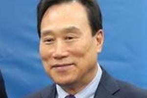"""김광두 """"경기 침체국면 초입 단계"""""""
