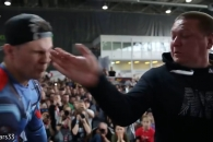 '찰싹! 찰싹!' 러시아서 열린 뺨 때리기 대회