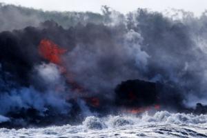 [포토] 하와이 화산 용암, 태평양으로 흘러…유독 가스 분출