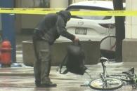 경찰 제지 뚫고 폭발물 의심 가방 뒤진 남성