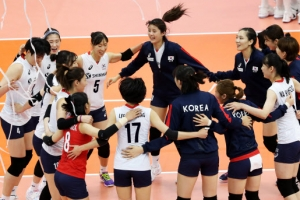 한국 여자배구, 세계 5위 러시아에 40년 만에 3-0 완승