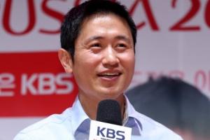 """이영표 """"박지성, 말 많고 잘하는 사람…중계석 만남 기대"""""""