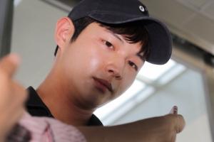 배우 이서원 검찰 조사...'동료 연예인 성추행·협박 혐의'