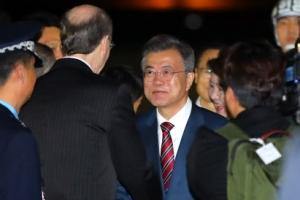 절충안 찾은 북미… '중대 비핵화 조치땐 단계 보상' 시나리오