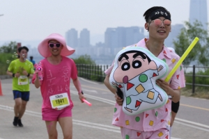 [서울포토] '짱구도 분홍사나이도 달린다' 제2회 롯데 스타일런 마라톤 대회